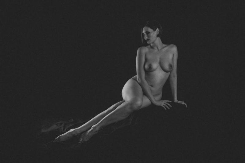 1-Fine-art-nude_-1024x684